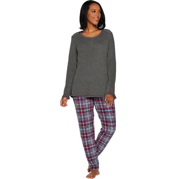 Cuddl Duds Other - Cuddl Duds Fleecewear Stretch Novelty Pajama Set